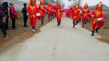 海阳市朱吴镇虎龙庄秧歌队2019年正月初二在中石现村演出完整版
