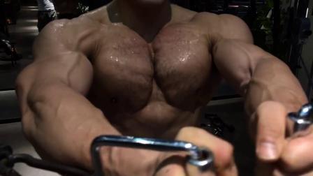 男人的低吼,胸肌锻炼
