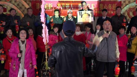 合唱:天上太阳红彤彤-马培荣、欧阳敏领唱;全体合唱-周南中学76届高中班代表群