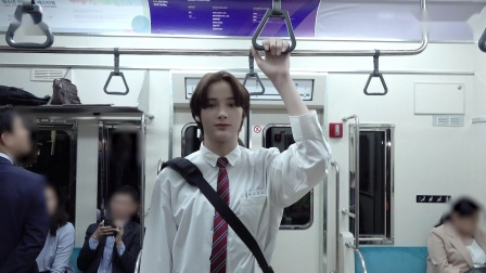 [T:TIME] HUENINGKAI's acting in the subway - TXT