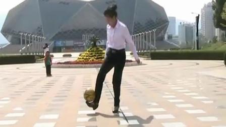 [优酷牛人]看中国街足女孩穿高跟鞋踢球,炫目的足球花式!