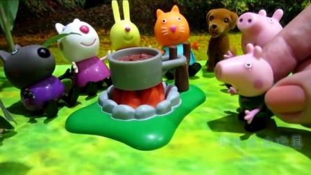 芭比公主和调皮可爱小狗 芭比公主居然帮小狗洗澡过家家亲子游戏