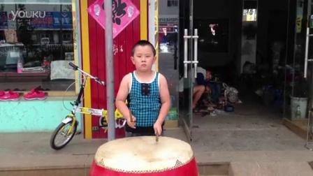 开挂了的小鼓手 高手在民间且不受年龄限制