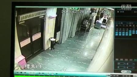 [[拍客]大兴监控拍下的偷拍女厕所变态色狼