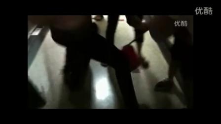 [拍客]网站产品经理偷拍女厕被抓众人围殴