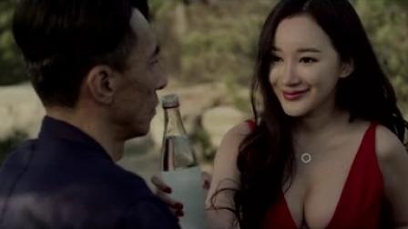 """《床下有人2》首曝剧情版预告片 幽闭空间内上演""""人鬼追逐"""""""