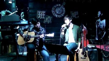 吉他弹唱 张信哲《过火》(郝浩涵和王亚飞)