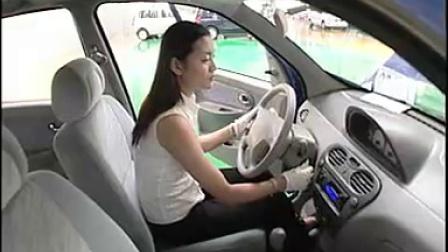 哈飞路宝汽车维护使用说明 15 行驶