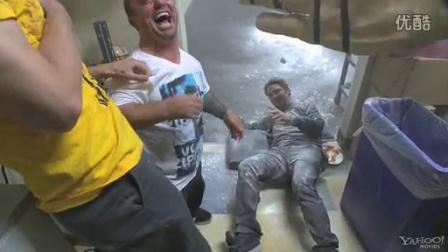 《蠢蛋搞怪秀3》高清片段 Jackass 3D-HD Clip
