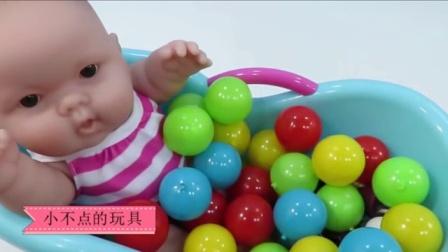 水舞珠珠七彩糖果宝宝洗澡粉红猪小妹洗澡过家家亲子游戏