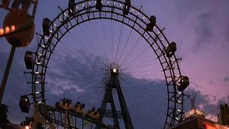 爱在黎明破晓时 《爱在黎明破晓前》电影片段  杰西、塞琳娜高空缆车接吻