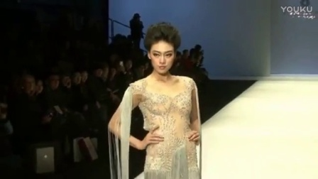 最顶级的薄纱透明时装秀