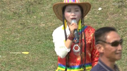 貴州女歌手陳思念在白保坡上演唱《映山紅》-堪比原唱!