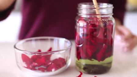 原来纯天然玫瑰精油的提取方法这么简单 能为你节省不少钱呢