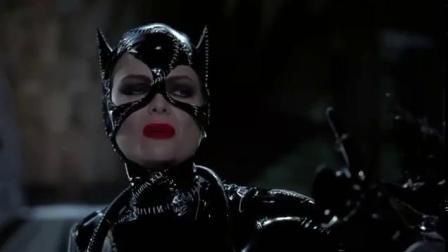 蝙蝠侠归来 发飙惩罚猫女 街头疯狂飙车战