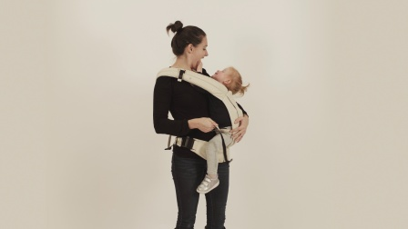 Mountain Buggy juno婴儿背袋斜肩背模式操作视频
