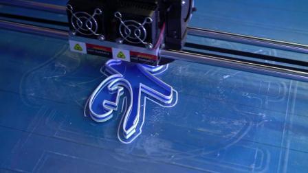 灌胶不存在的。3D打印发光字(含透光字面)打印过程