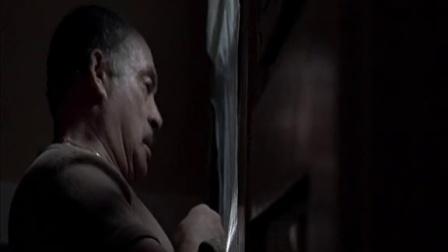 《战栗城市》  情绪奔溃打碎窗户 灰烬不慎进房间