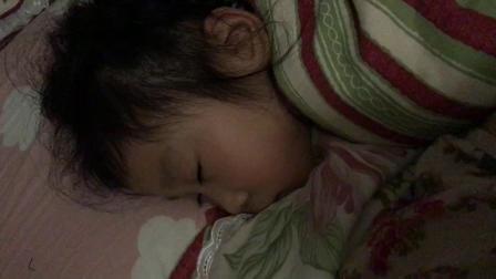 终于记录下六六睡着的过程