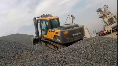 沃尔沃挖掘机140DL