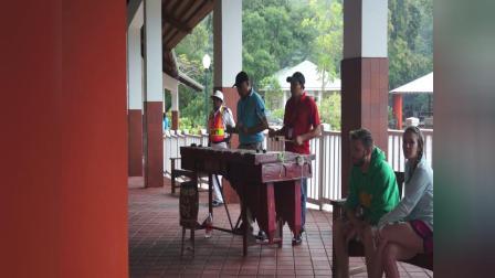 【快7岁】2-15哈哈跟妈妈在洪都拉斯港口开心跳舞MAH08507
