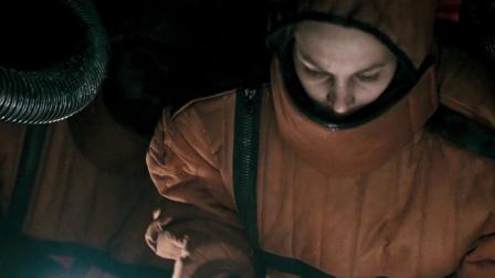 《太空运输》  货仓发现冷冻人 女医生爬梯险失足