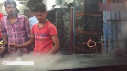 """印度小哥烙""""煎饼"""", 真是个人才, 这么做怎么吃?"""