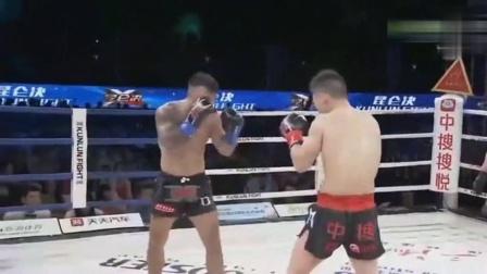 位宁辉展现恐怖拳法, 6拳KO加拿大拳王, 当场呕吐跪地求饶!