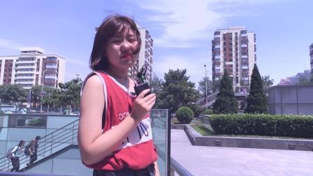 小阿馨篮球衫乞丐仔裤搭vans帆布鞋,短发女生最后的坚持
