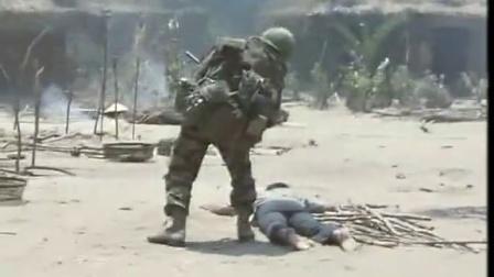 《血色战役》  紧急撤离欲上直升机遭机枪扫射