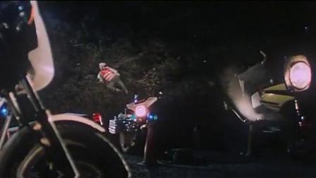 上天救命 吴耀汉饰演搞笑探长 出场撞翻警车 CUT 3