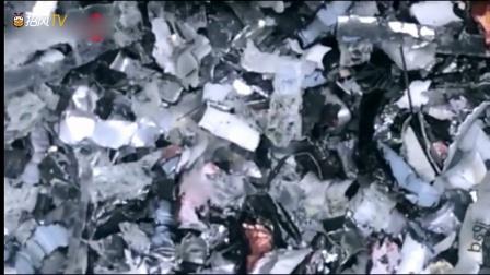 任性土豪把iPhone和iPad扔进碎纸机,厉害了!