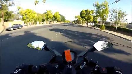 摩托车之家 KTM 390 RC高速 道路骑行