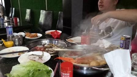 鸳鸯火锅底料的做法视频 里脊肉骨肉相连牛蛙烧烤视频