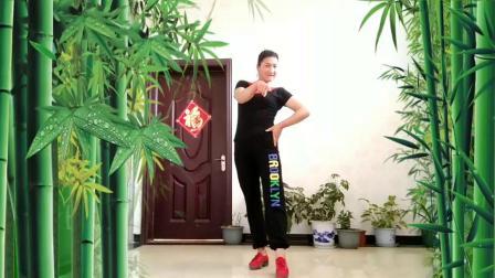 大姐儿广场舞《牛在飞》健身操+加鬼步 编舞:动动