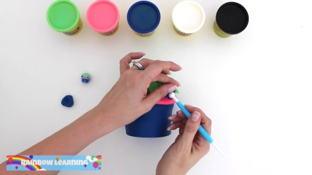 制作皇家纸杯蛋糕,制作面团艺术,欢乐的彩虹学习