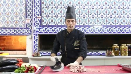 外国大厨剁肉, 你这是在侮辱这把大刀! 来中国一定找不到工作
