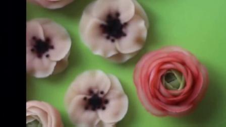 纸杯蛋糕的做法 玫 纸杯蛋糕-如何裱花蛋糕卷蔓越莓饼干