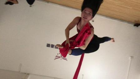 深圳福田哪里有专业的舞蹈培训学校,绸缎吊环