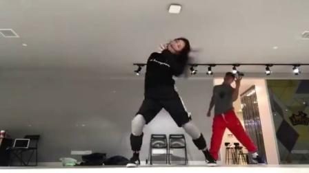 【孟佳舞蹈】180329 热血街舞团第2期中solobuff片段的练习室版(wi