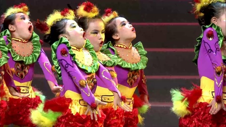 """第六届""""欢动""""开幕式 舞蹈《小鸡快跑》"""