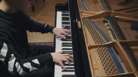 """2018年2月11日朱刘创作的钢琴音乐""""失去""""!"""