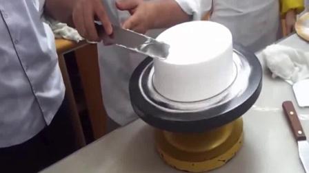 用电饭锅做蛋糕 蜂巢蛋糕 草莓慕斯蛋糕