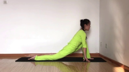 瑜伽动作教学系列之新月式