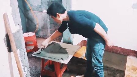 刘师傅贴地板砖