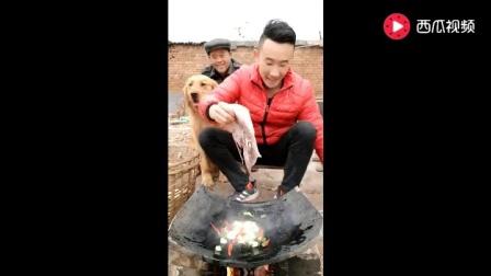 山东小哥瓦片烤的大海鱼, 这个做法真是厉害了!