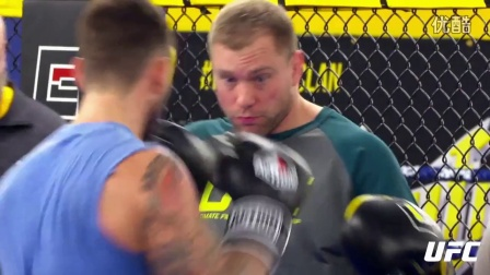《PUNK的进化》预告片 为UFC首秀一路付出的故事