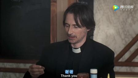 意外成为杀人锦标赛一员的神父,被多个杀手当做了目标