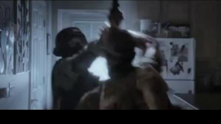 友军倒下 瞬间撂倒持枪 醒悟道歉被击