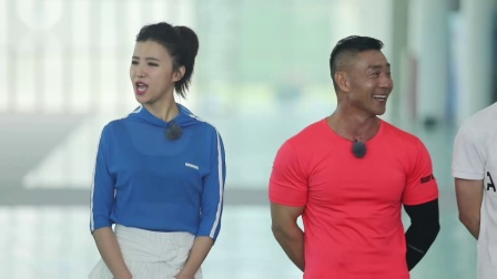 奥运冠军杨威再现体操神技能